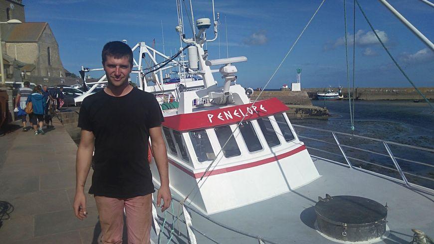 Le barfleurais Yann Delaplace, l'un des plus jeunes patron-pêcheur de la région