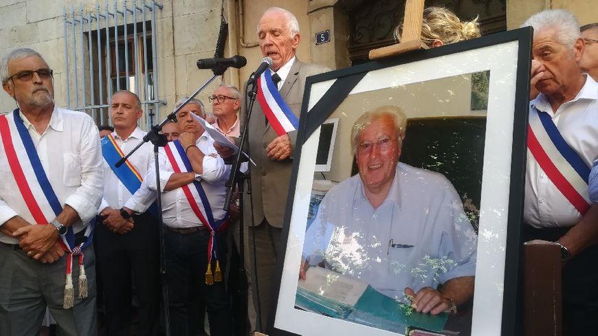 L'hommage de Signes à son maire, Jean-Mathieu Michel.