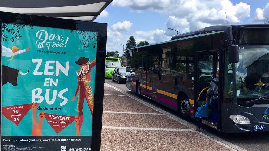 """Les affiches """"Zen en bus"""" présentes sur de nombreux arrêts de l'agglomération de Dax"""