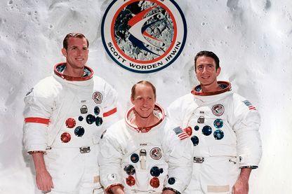 L'équipage de la mission Apollo 15 en 1971 : David R. Scott, commandant de la mission -  Alfred M. Worden, pilote du module - James B. irwin, pilote du module lunaire