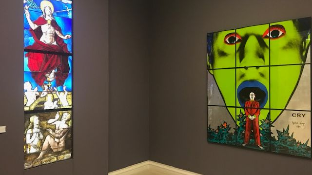 """A droite, """"Cry"""" de Gilbert & George (Collection Pinault)"""