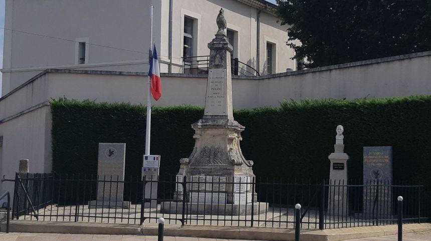 Piolenc le monument aux morts