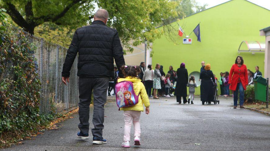 Le 2 septembre, les élèves vont reprendre le chemin de l'école.