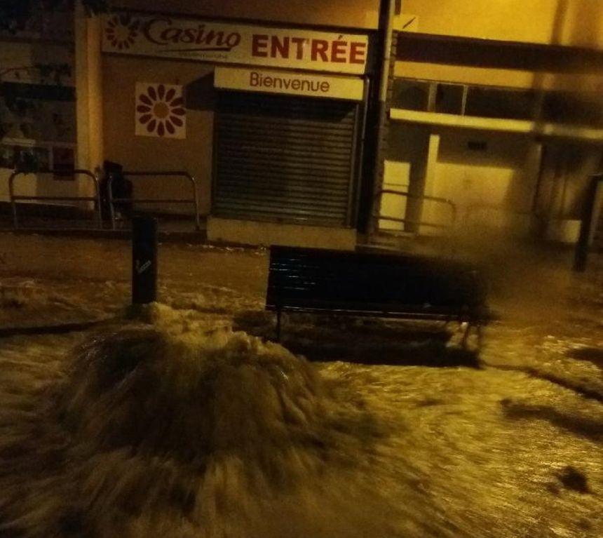 L'intensité des orages a provoqué des inondations dans plusieurs commerces