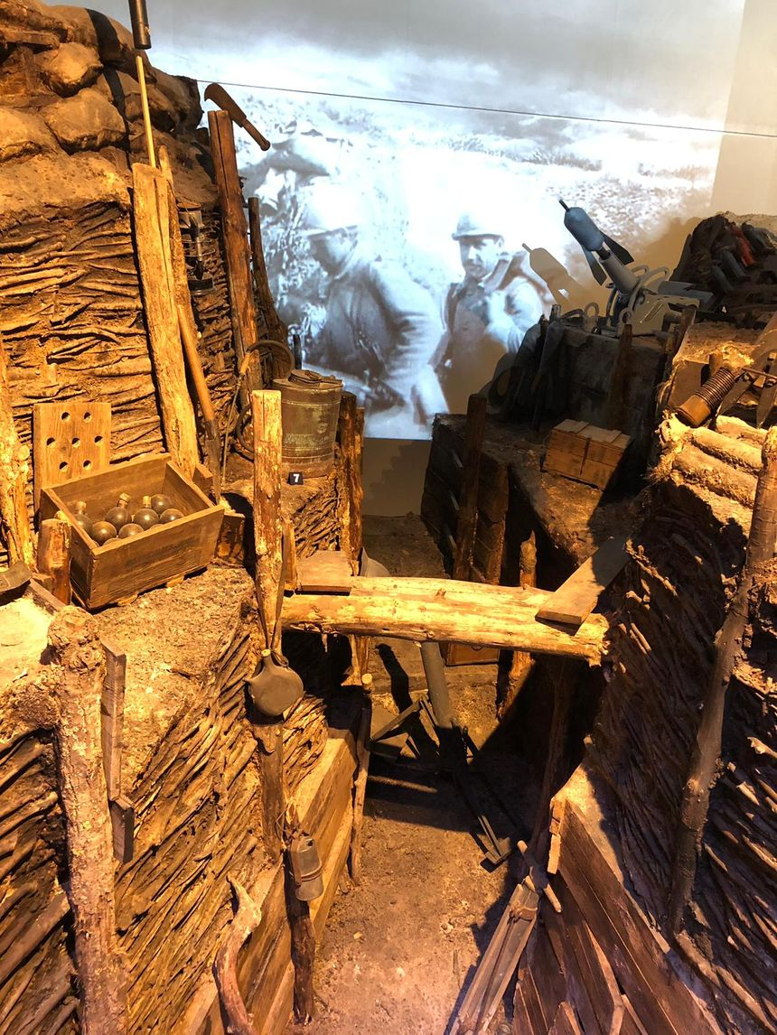 Une tranchée reconstituée dans le Musée de la Grande Guerre de Meaux