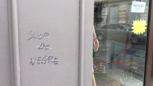 L'inscription raciste