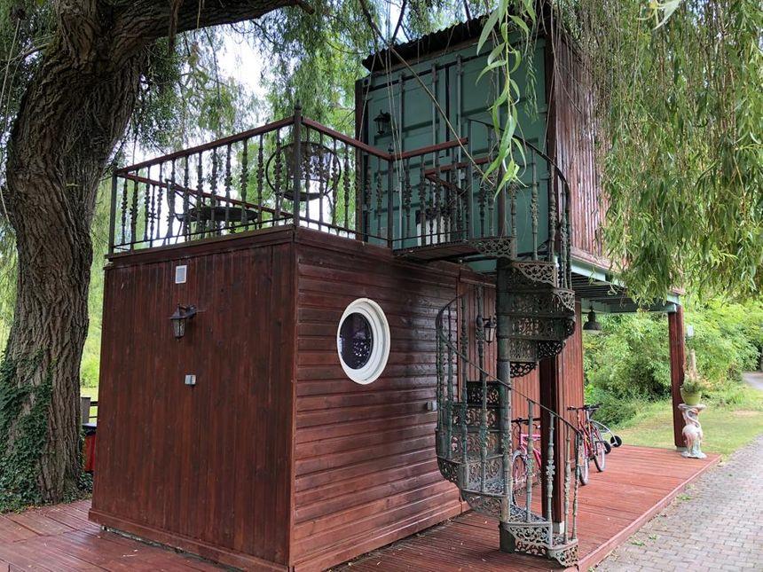 Des Chambres d'hôtes originales dans des containers à Saintry-sur-Seine