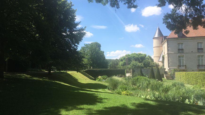 Le parc romantique du Château de Pesselières