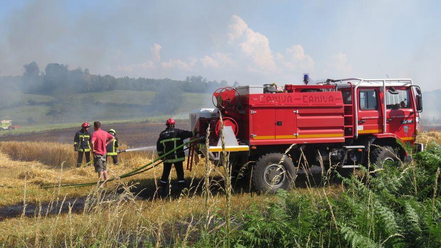 Un incendie impressionnant a ravagé 300 bottes de paille (photo d'illustration)