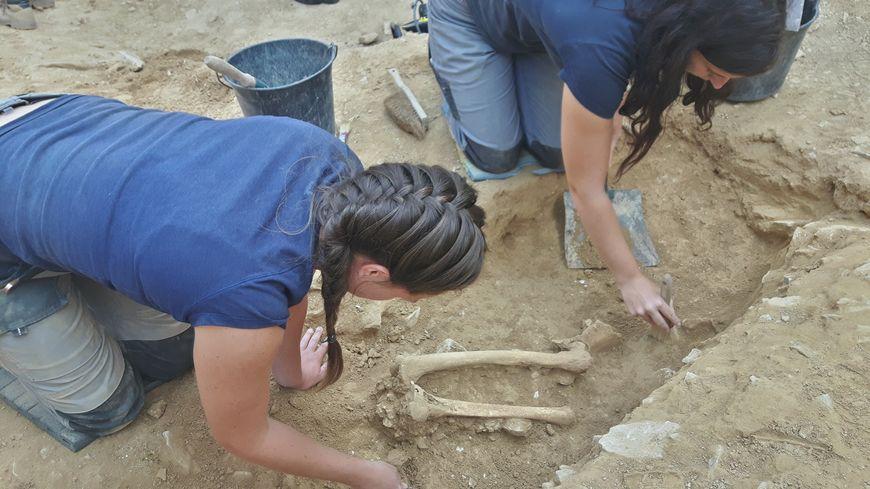 Des dizaines de tombes romaines de bébés découvertes à Nîmes