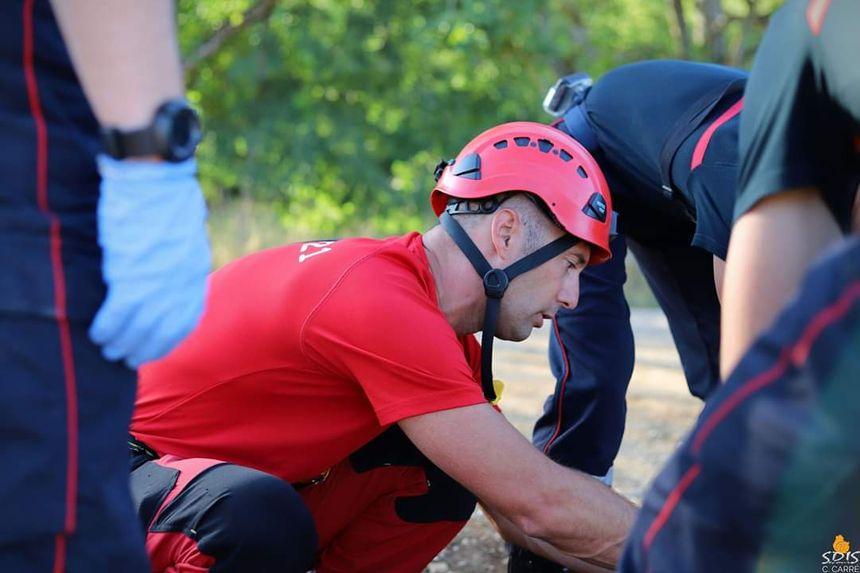 Les pompiers du GRIMP de Côte-d'Or au secours d'une randonneuse sur les hauteurs de Marsannay-la-Côte en Côte-d'Or