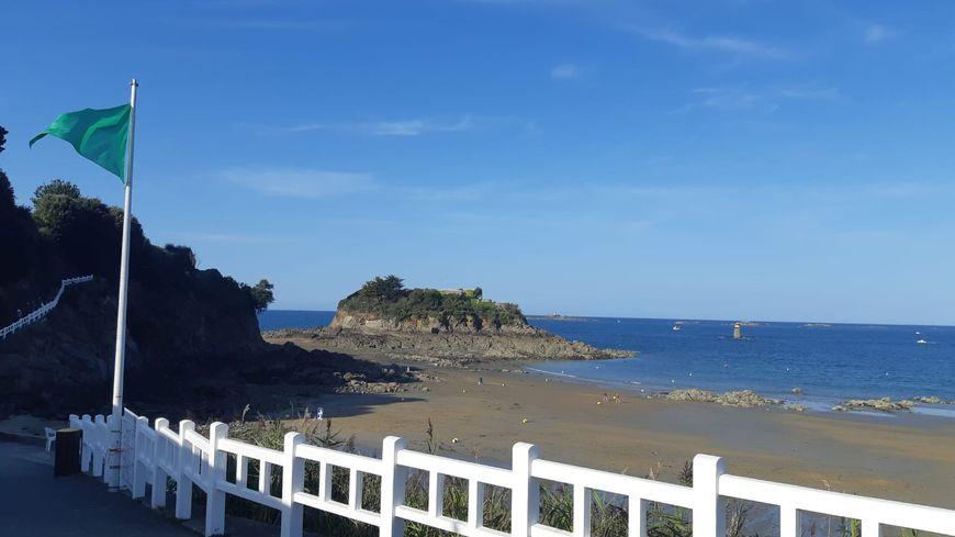 L'obus a été découvert sur la plage de la Comtesse.