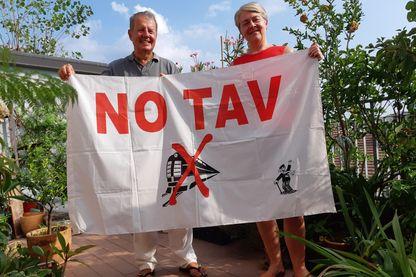 """Paolo et Sabine, à Turin. Le TAV (treno ad alta velocità, train à grande vitesse) est à leurs yeux """"un grand projet imposé et inutile""""."""