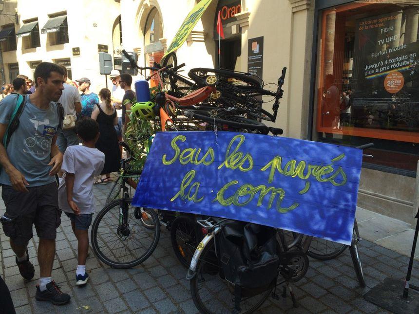 L'empilement de vélos du collectif #NousSommes