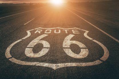 Vue en grand angle de la mythique Route 66, qui traverse huit Etats américains.