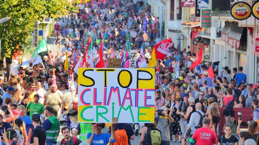 Mobilisation dans les rues d'Hendaye, avec de fortes préoccupations environnementales