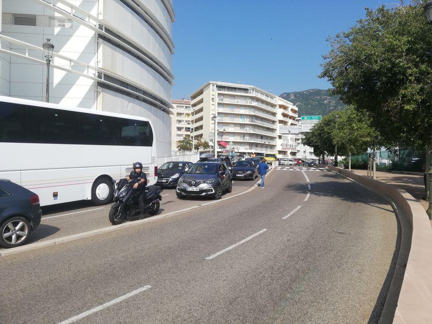 Circulation arrêtée dans le sens Nord-Sud, ce samedi à Bastia