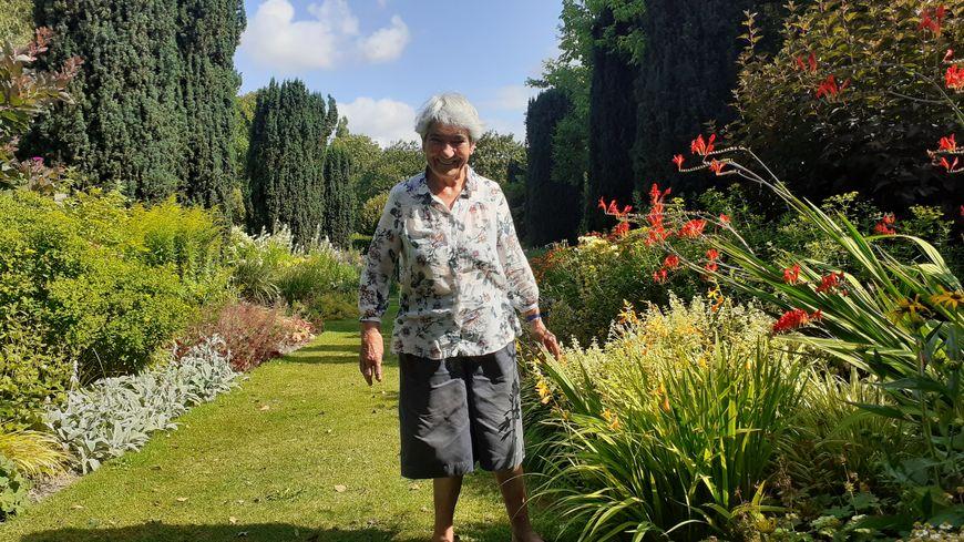 Colette Sainte-Beuve, heureuse en son jardin