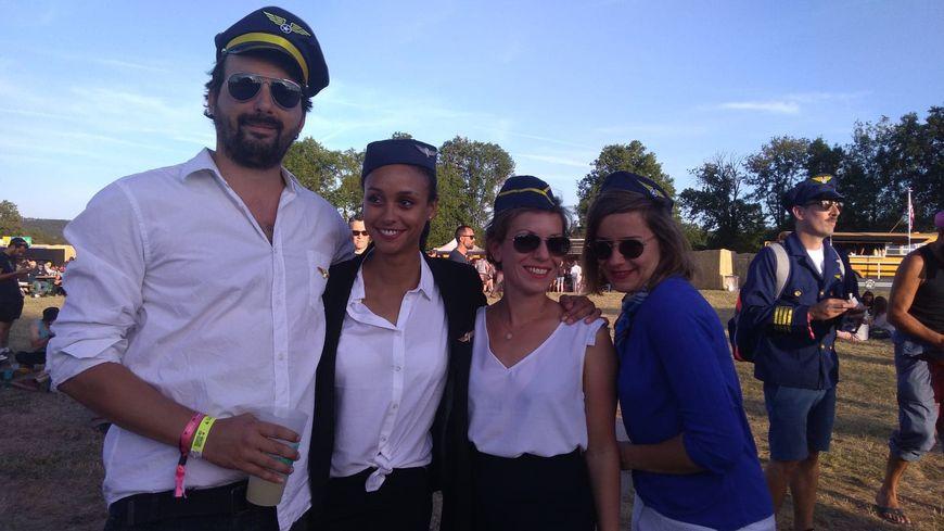 De nombreux festivaliers du Check-in Party sur l'aérodrome de Saint-Laurent sont venus déguisés pour l'occasion !