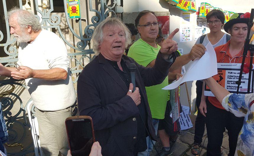 A l'issue de l'audience, le sénateur Joël Labbé a salué le mouvement des citoyens.