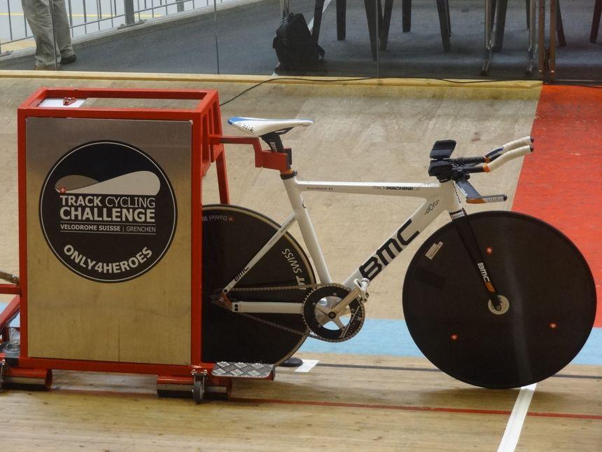 Le vélo de David Arnoux, sans frein et sans vitesses