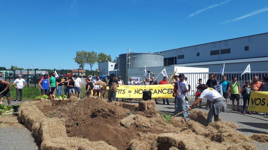 Un coup de démonstration, à la veille du sommet à Biarritz lancé par plusieurs syndicats venus du Pays Basque et des Landes
