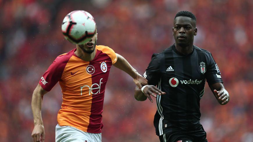Isimat-Mirin (à droite) face à Galatasaray.