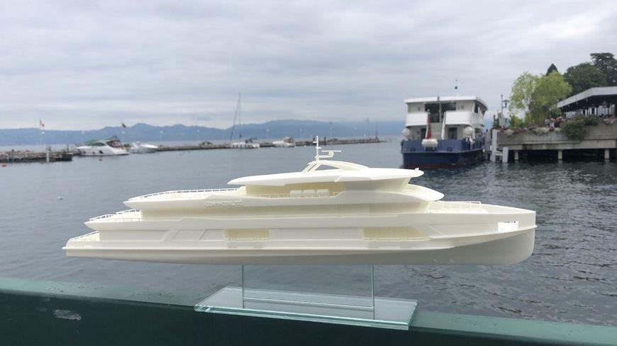 D'ici 2023, deux bateaux plus modernes et plus écologiques (ici la maquette) seront mis en service sur le Léman afin de renforcer les liaisons lacustres entre la France à la Suisse.