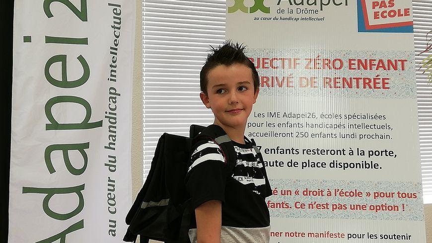Les parents de Duncan, un garçon autiste de 10 ans, affirment qu'il ne lui a rien été proposé pour la rentrée