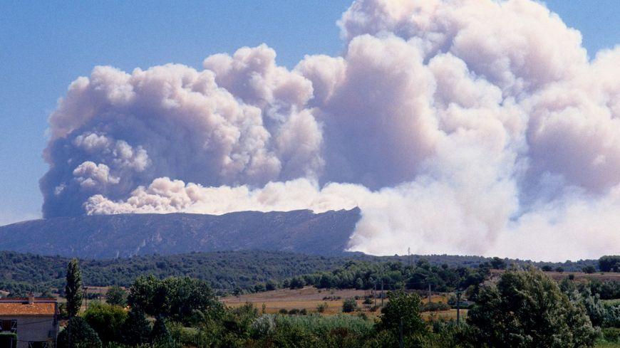 Une fumée visible à des dizaines de kilomètres autour de la Sainte Victoire