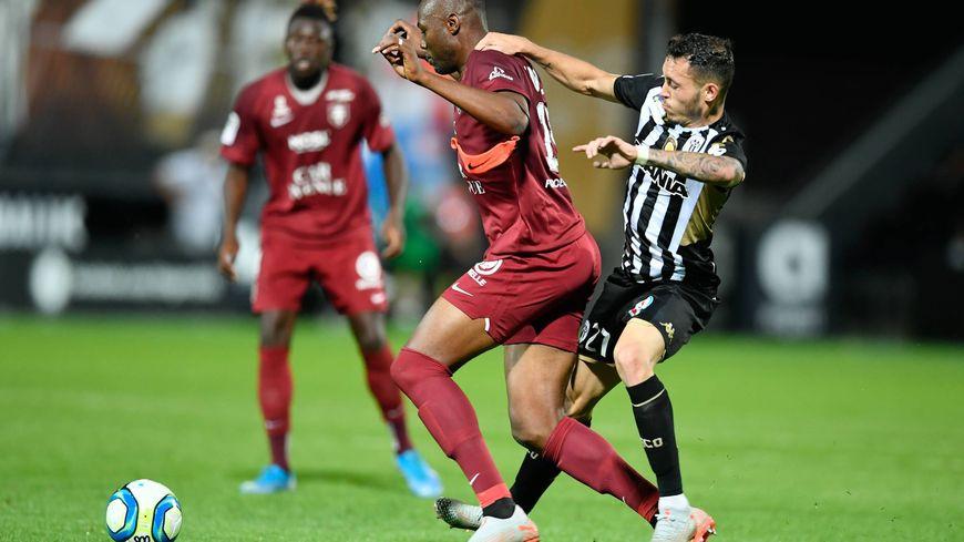 Comme ses coéquipiers du FC Metz, Stopila Sunzu a vécu une soirée difficile à Angers