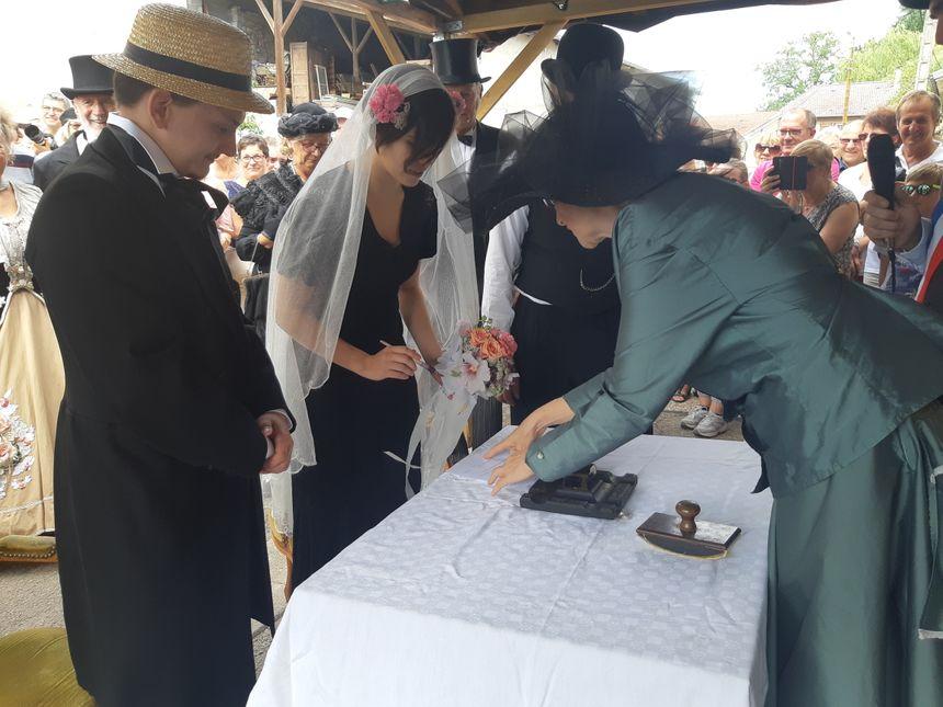 La signature des contrats de mariage.