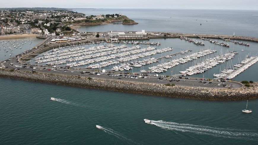 Les secours sont intervenus aux alentours de 14 h sur la zone portuaire de Saint-Quay-Portrieux.