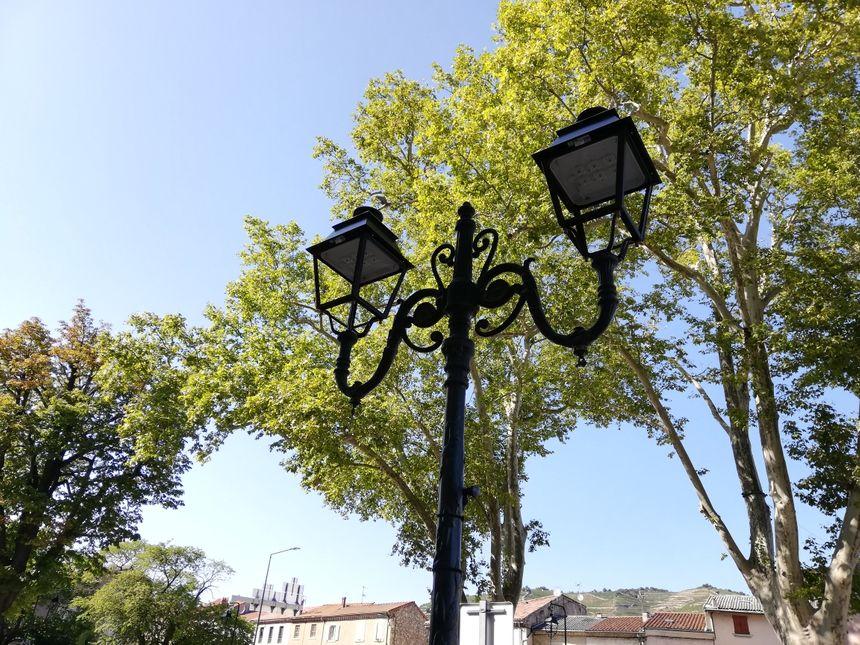 Les lampadaires ont perdu leurs ampoules !