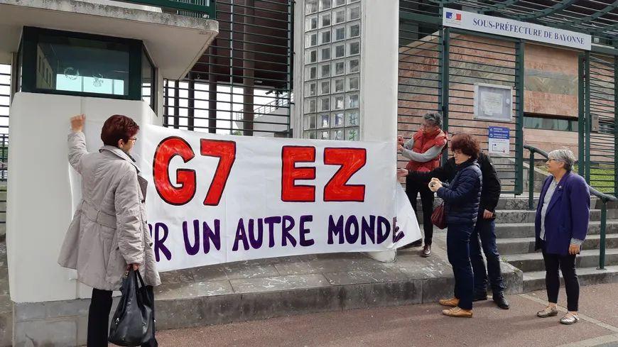 Les altermondialistes du collectif G7-EZ qui organisent un contre-sommet à l'occasion du G7