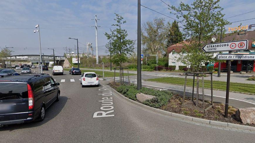 Un jeune homme meurt dans un accident de voiture contre un poteau électrique du tramway à Strasbourg jeudi 15 août 2019.