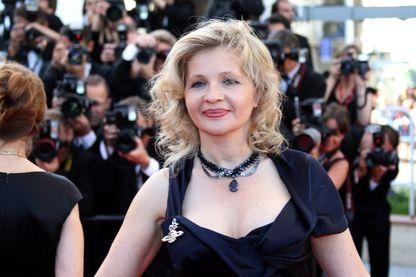 """La réalisatrice française Eva Ionesco pose sur le tapis rouge avant la projection de """"L'Arbre de vie"""" présenté en compétition au 64ème Festival de Cannes le 16 mai 2011 à Cannes."""