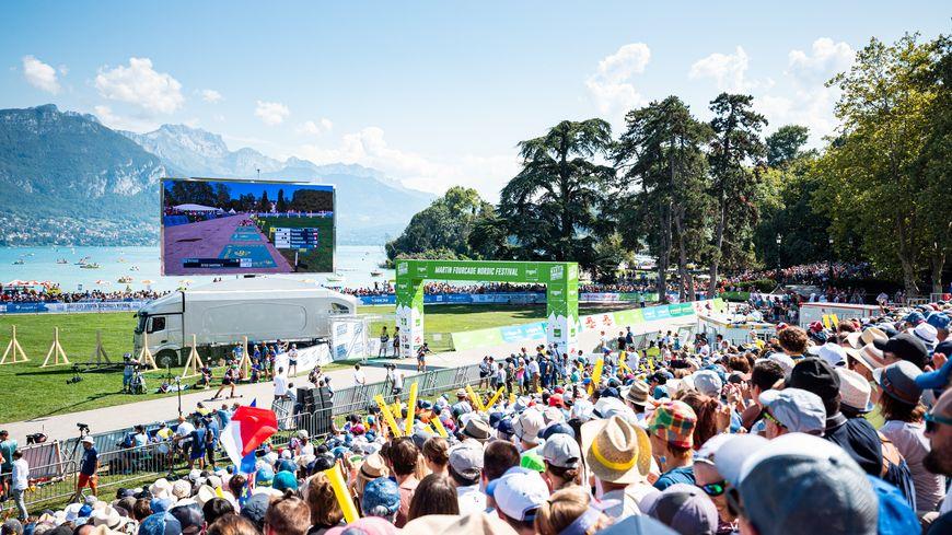 15 000 spectateurs se sont réunis autour du Pâquier à Annecy