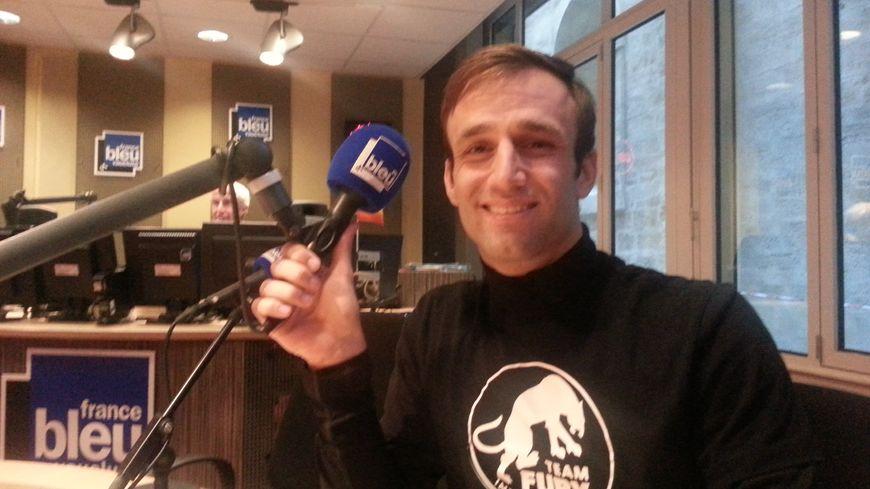Johann Zarco dans les locaux de France Bleu Vaucluse