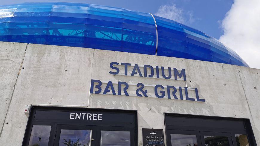 Au pied du Stade Océane, un nouveau restaurant de 609 mètres² a pour ambition de réunir les fans du HAC pour les matchs ... à l'extérieur comme à domicile.