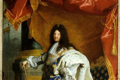 Portrait du roi de France Louis XIV en pied en costume royal par le peintre Hyacinthe Rigaud.