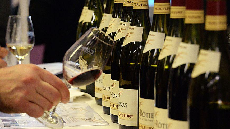 Les Etats-Unis menacaient de taxer à 100% le vin français.