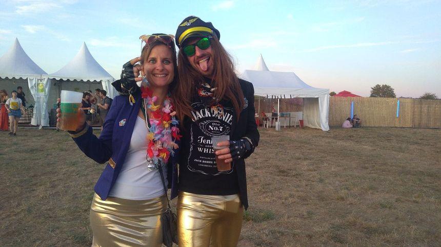 Hortense et Clément ont mis beaucoup de soin dans leur déguisement pour le festival Check-in Party !