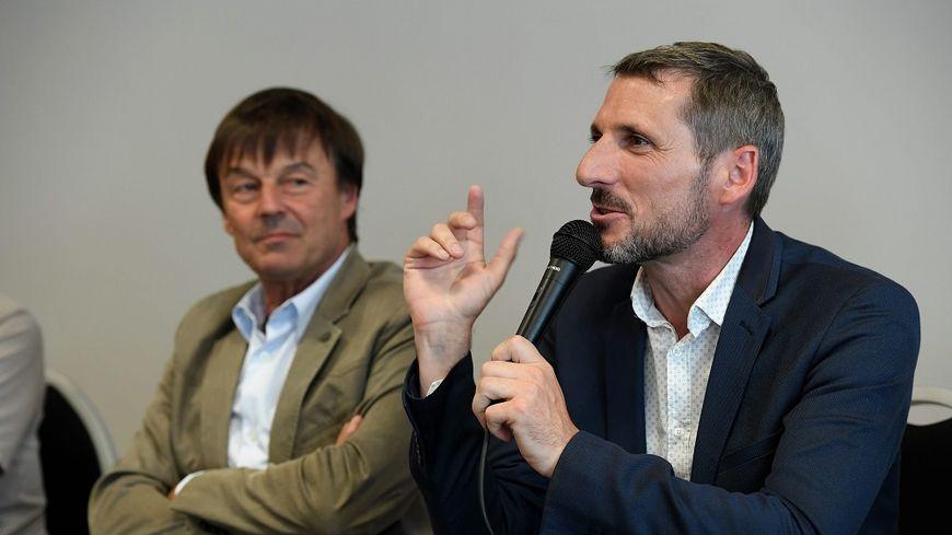 Matthieu Orphelin avec Nicolas Hulot à Angers, en juin 2017.