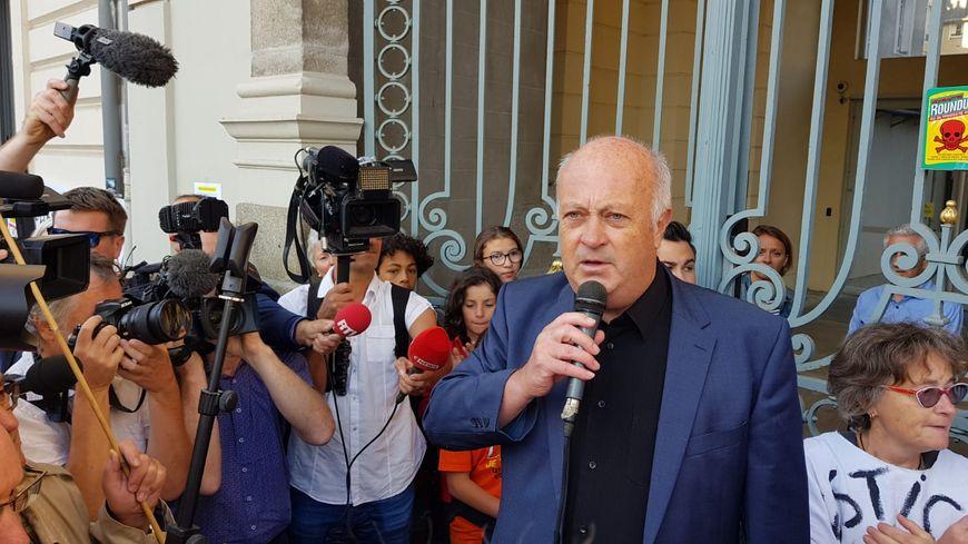 Daniel Cueff avant son audience devant le tribunal administratif de Rennes
