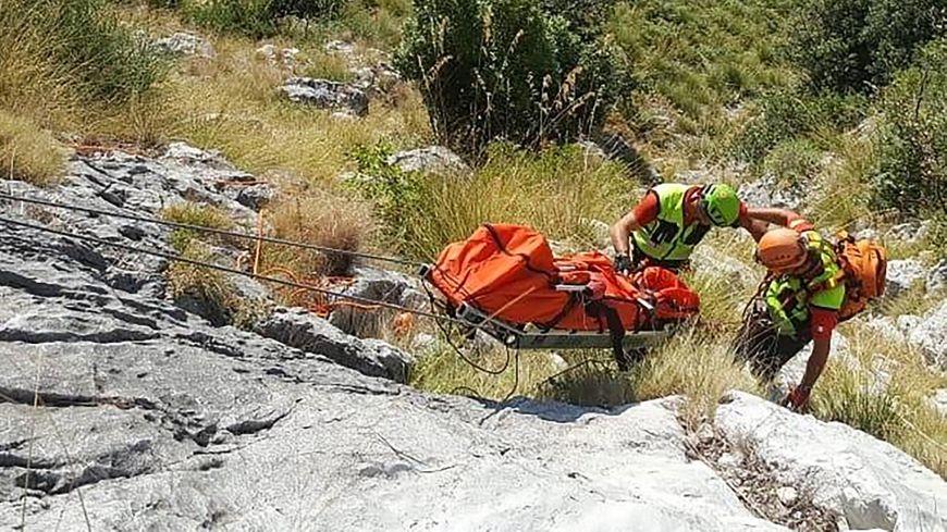 Les secouristes ont dû attendre qu'il fasse jour pour récupérer le corps.
