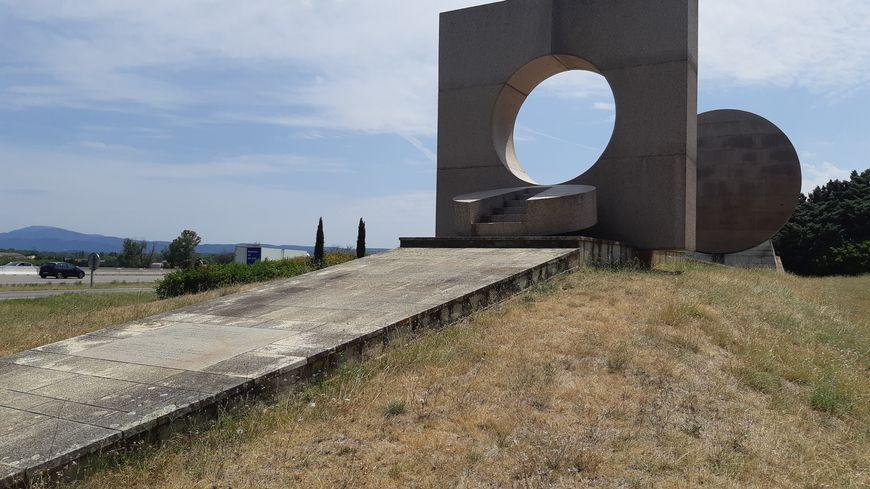 """La """"Porte du soleil"""" sur l'aire de repos de Savasse sur l'autoroute A7 dans la Drôme"""