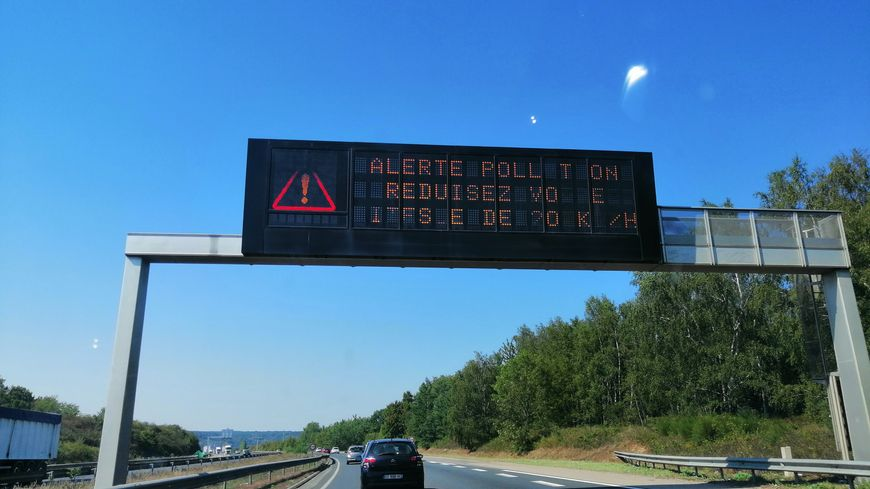 Les préfectures de Seine-Maritime et de l'Eure recommandent aux automobilistes de réduire sa vitesse de 20km/h.