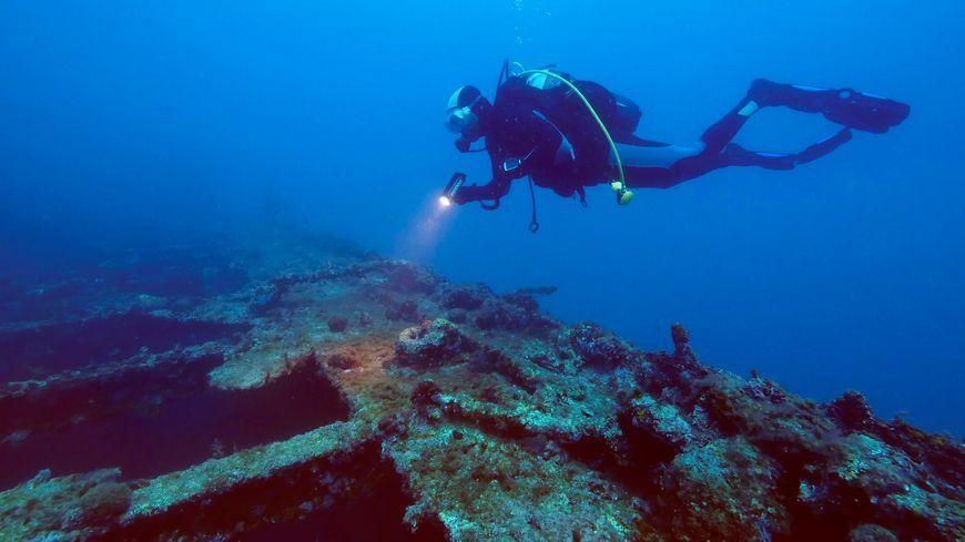 C'est en visitant une épave que le plongeur a été victime d'un arrêt cardiaque (photo d'illustration)