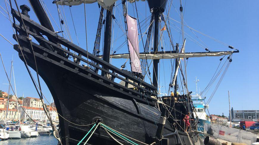 La réplique du Nao Victoria est actuellement à quai à Port-Vendres. Il restera jusqu'au week-end du 25 août.